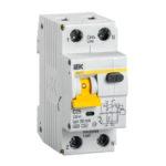 Автоматический выключатель дифференциального тока АВДТ32 C25 IEK 1