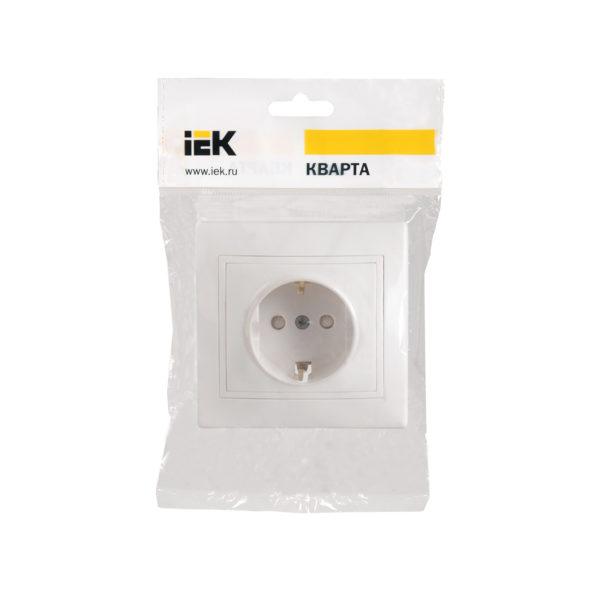 Розетка 1-местная РСш10-3-КБ с заземляющим контактом с защитной шторкой 16А КВАРТА белый IEK